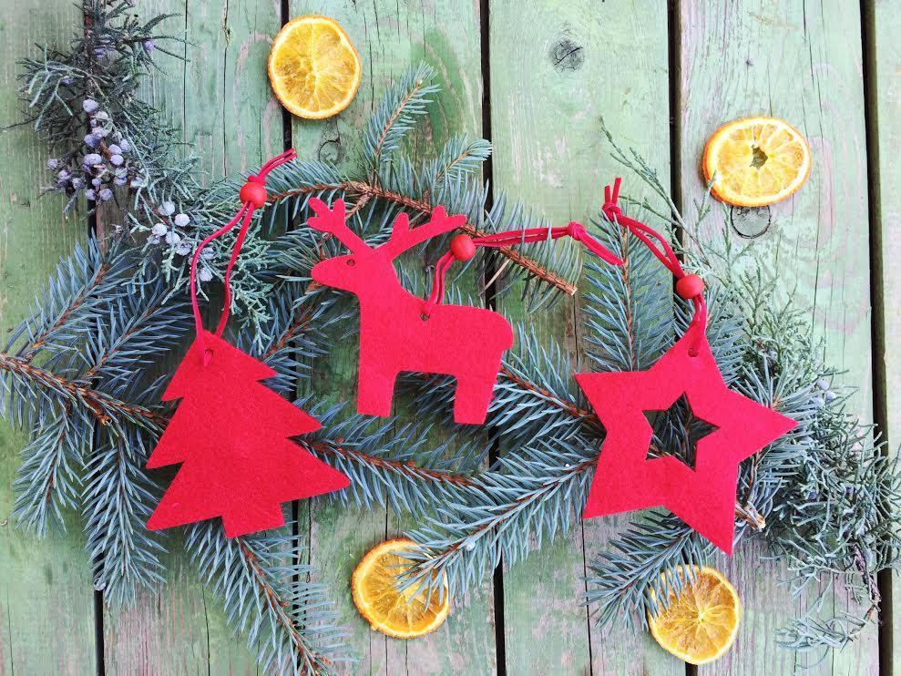 Karácsonyfadísz, piros filc 3 darabos