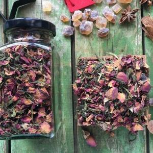 Sencha tea rózsával, zöld teával